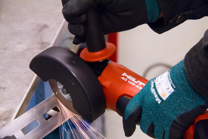 Cutting Mekano® using Hilti angle grinder